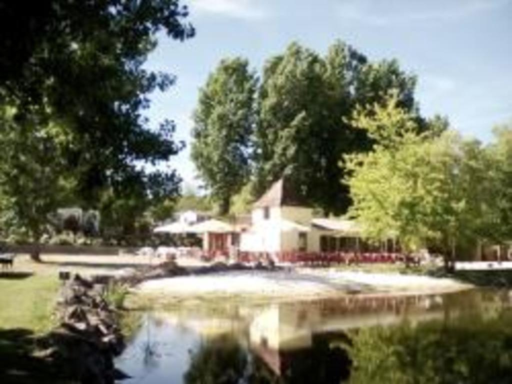 Camping Les Etangs du Plessac Saint Felix de Bourdeuil
