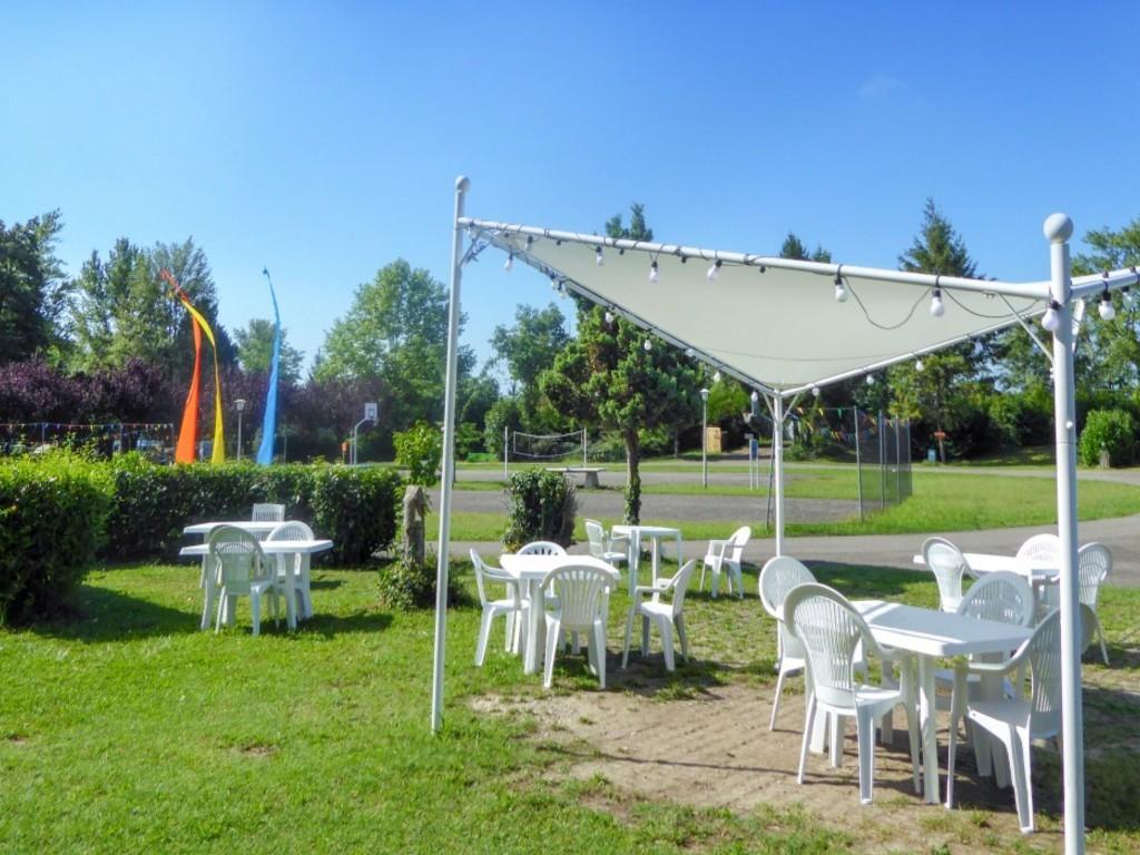 Camping Tohapi L'Île du Rhin à Biesheim
